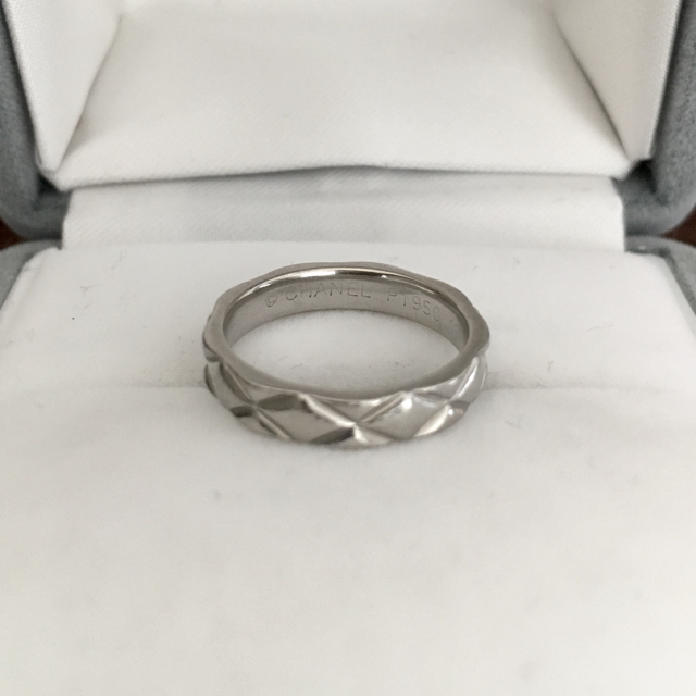 CHANEL(シャネル)のシャネル マトラッセ リング Pt950 3.5mm 4.8g レディースのアクセサリー(リング(指輪))の商品写真