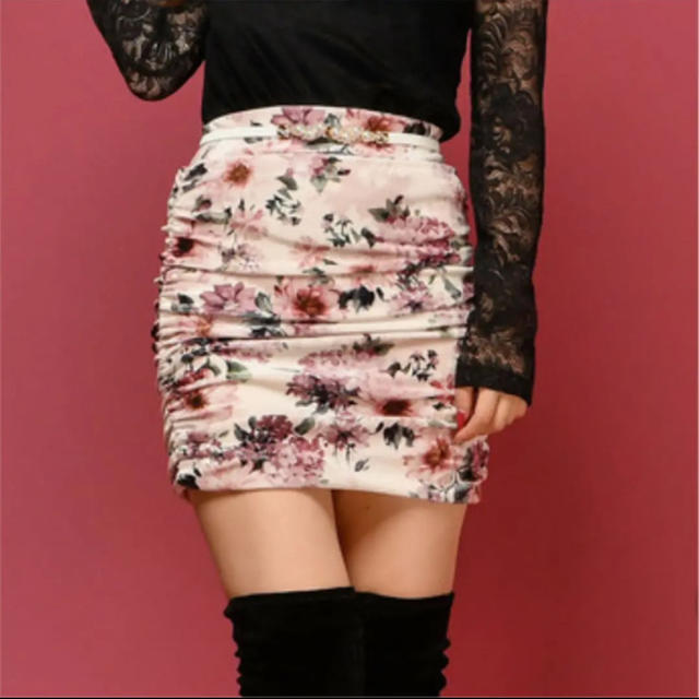 Delyle NOIR(デイライルノアール)の花柄タイトスカート レディースのスカート(ミニスカート)の商品写真