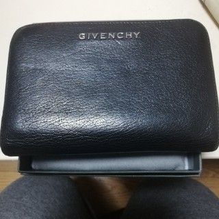 GIVENCHY - GIVENCHY 二つ折り財布 美品