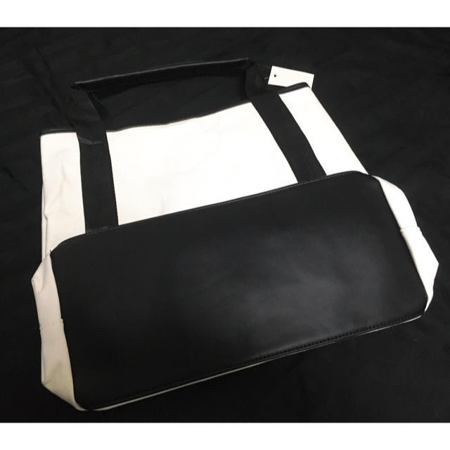 BALENCIAGA BAG(バレンシアガバッグ)のバレンシアガ キャンバストート レディースのバッグ(トートバッグ)の商品写真