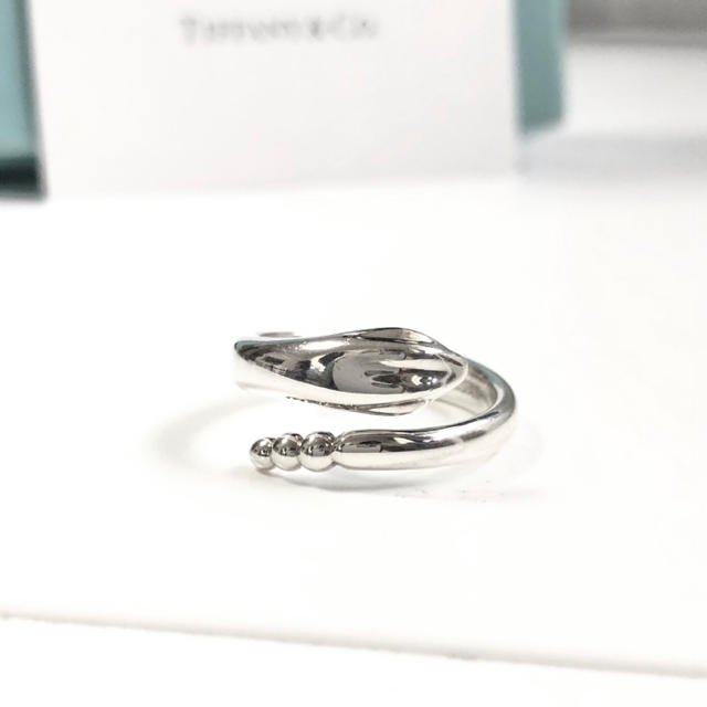 Tiffany & Co.(ティファニー)の美品 希少 廃盤 ティファニー  スネーク シルバー リング 8 指輪 金運 銀 レディースのアクセサリー(リング(指輪))の商品写真