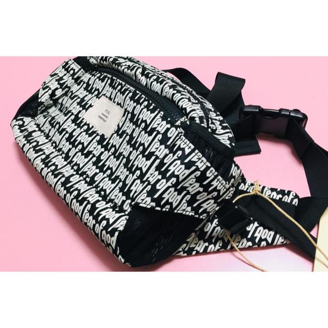 FEAR OF GOD(フィアオブゴッド)の新品 FOG パック ショルダーバッグ メンズのバッグ(ショルダーバッグ)の商品写真