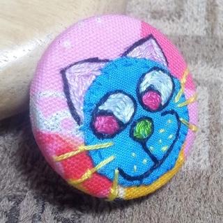猫ちゃんのブローチ