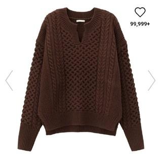 ジーユー(GU)の泰子様専用!専用GU☆美品ケーブルキーネックセーター(ニット/セーター)