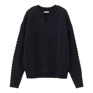 GU - GU ケーブルキーネックセーター ネイビー