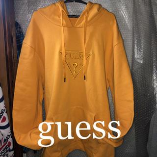 GUESS - 何と‼️guessの王道イエローパーカーで、韓流ファッションやダンス系に‼️