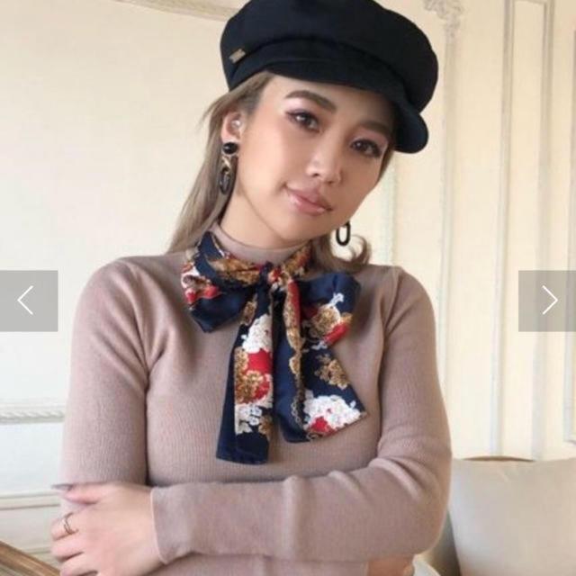 eimy istoire(エイミーイストワール)のエイミーイストワール♡ スカーフデザインニットプルオーバル 限定色 レディースのトップス(ニット/セーター)の商品写真