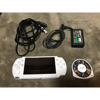 プレイステーションポータブル(PlayStation Portable)のPSP3000本体  パール ホワイト(携帯用ゲーム機本体)