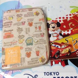 Disney - 新品 Tokyo Disney Resort限定 パークフード柄 母子手帳ケース