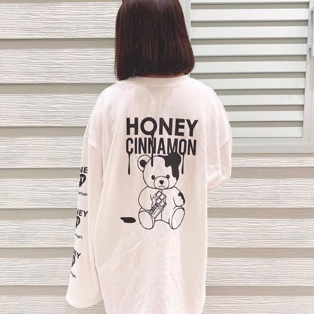 Honey Cinnamon(ハニーシナモン)のハニーシナモン バックシナモンロンT レディースのトップス(Tシャツ(長袖/七分))の商品写真