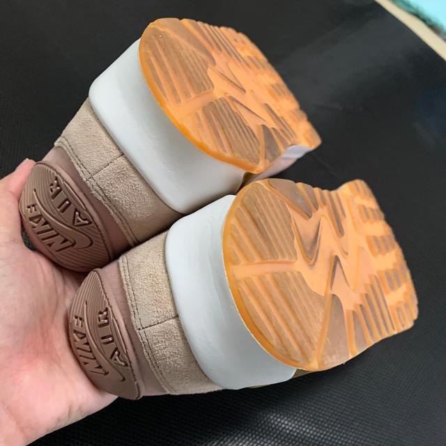 NIKE(ナイキ)のNIKE WMNS AIRMAX90 SE エアマックス90 23.5 ピンク レディースの靴/シューズ(スニーカー)の商品写真