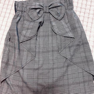 アラマンダ(allamanda)のバックリボンスカート(ひざ丈スカート)