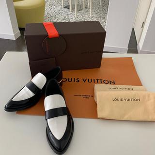 LOUIS VUITTON - 新品同様 ルイヴィトン 定番ローファー