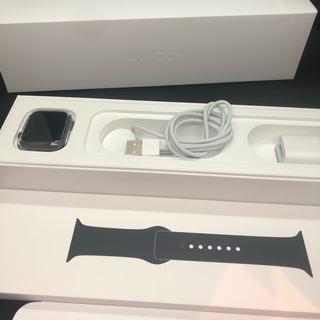 アップルウォッチ(Apple Watch)の美品 Apple Watch Series 4 40mm(スマートフォン本体)