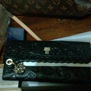 アナスイ(ANNA SUI)の新品未使用ANNA SUIダリアがま口長財布ブラック正規店購入(財布)