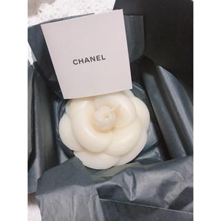 シャネル(CHANEL)の正規品 CHANEL カメリアキャンドル  キャンドル置き付き(キャンドル)