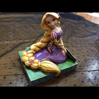 ディズニー(Disney)のDisney Traditions ミニサイズ ラプンツェル 木彫り風フィギュア(キャラクターグッズ)
