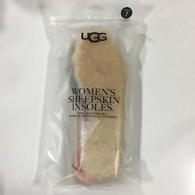 UGG(アグ)のUGG ブーツ シープスキン インソール  中敷 US7 アグ  レディースの靴/シューズ(ブーツ)の商品写真