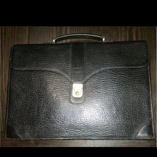 BURBERRY - 【セール中】BURBERRY レザービジネスバッグ