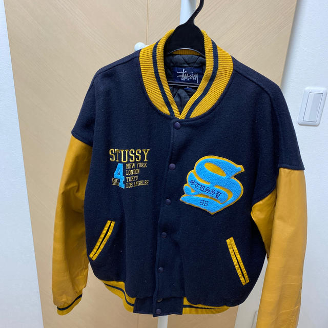 STUSSY(ステューシー)のBIG 4スタジャン ステューシー メンズのジャケット/アウター(スタジャン)の商品写真