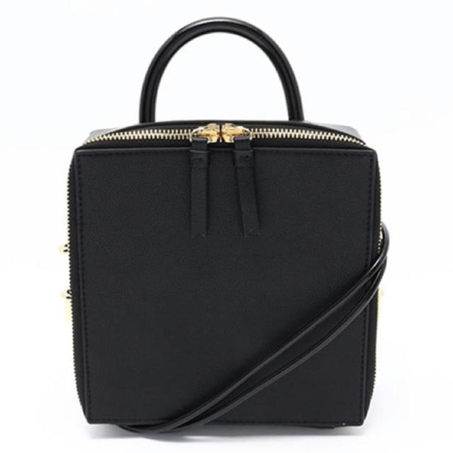 SLY(スライ)の【SLY】SQUARE MINIMAL POCHETTE レディースのバッグ(ショルダーバッグ)の商品写真