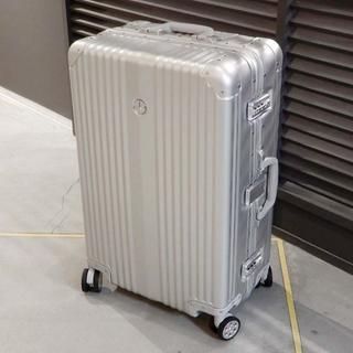 新品未使用 メルセデスベンツ スーツケース トロリー 四輪 アルミ シルバー(旅行用品)
