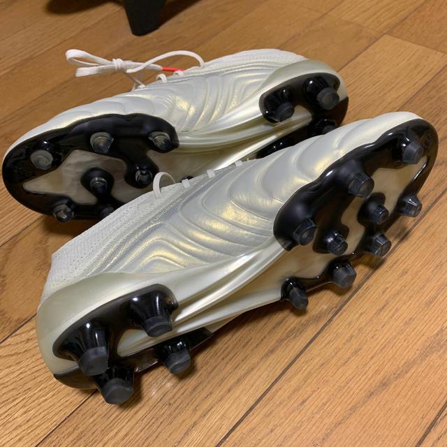 adidas(アディダス)のadidas サッカー スポーツ/アウトドアのサッカー/フットサル(シューズ)の商品写真