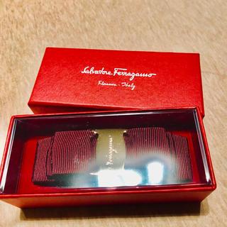サルヴァトーレフェラガモ(Salvatore Ferragamo)の新品未使用☆SalvatoreFerragammリボンバレッタ(バレッタ/ヘアクリップ)