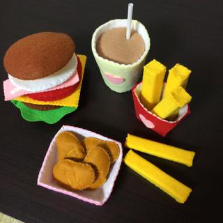 フェルトのハンバーガーセット(おもちゃ/雑貨)