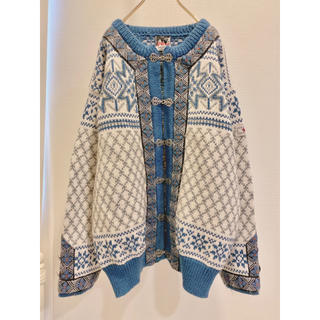 Lochie - vintage ノルウェー製 花柄 チロルカーディガン 白 ホワイト 青 水色