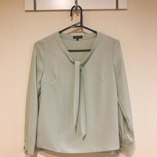 インディヴィ(INDIVI)のINDIVIライトグリーンシャツ5号サイズ(シャツ/ブラウス(長袖/七分))