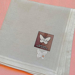 ハナエモリ(HANAE MORI)のハナエモリの蝶々透かし模様のハンカチ(ハンカチ)