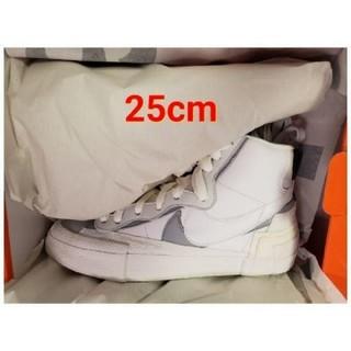 ナイキ(NIKE)の25cm Sacai × Nike Blazer Mid White(スニーカー)