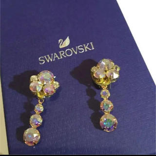 SWAROVSKI - スワロフスキーストーンイヤリング