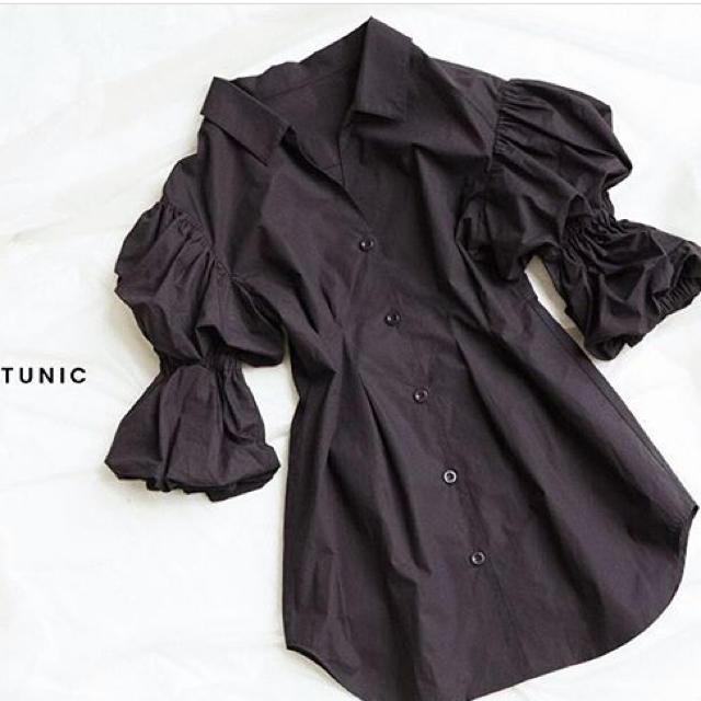SLY(スライ)のDUMPLING SLEEVE TUNIC【完売商品】専用 レディースのトップス(チュニック)の商品写真