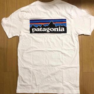 パタゴニア(patagonia)の【新品未使用ダグ付き】patagonia パタゴニア Tシャツ XS ホワイト(Tシャツ/カットソー(半袖/袖なし))