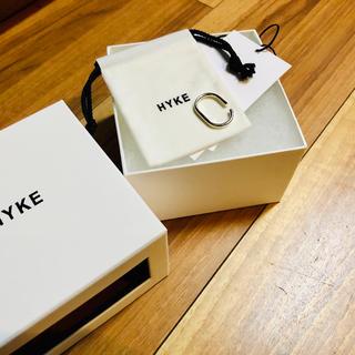 ハイク(HYKE)のHYKEイヤーカフ シルバー新品未使用+enfoldロンハーマンメゾンエウレカ(イヤーカフ)