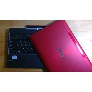 エイスース(ASUS)のASUS TransBook T100TA 赤(タブレット)
