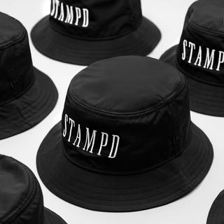 Supreme - STAMPD LOCATION BUCKET HAT ブラック