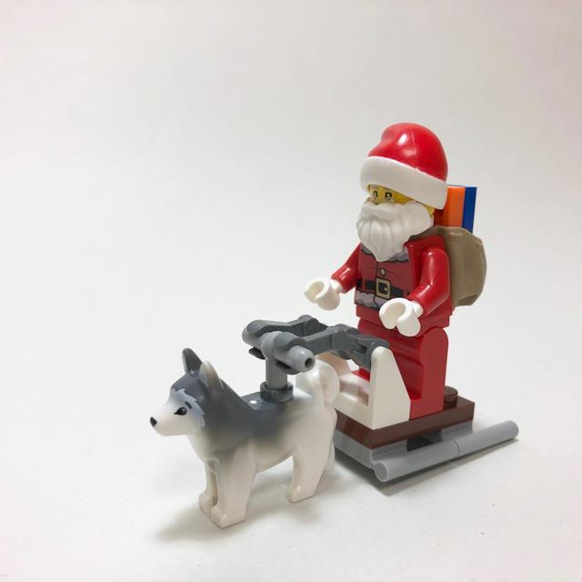Lego(レゴ)の【新品未使用】レゴ LEGO ミニフィグ 犬ぞりサンタ♪ 犬  キッズ/ベビー/マタニティのおもちゃ(知育玩具)の商品写真
