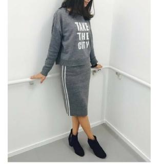 ジーユー(GU)の美品 GU(ジーユー) ニットスカート(ひざ丈スカート)