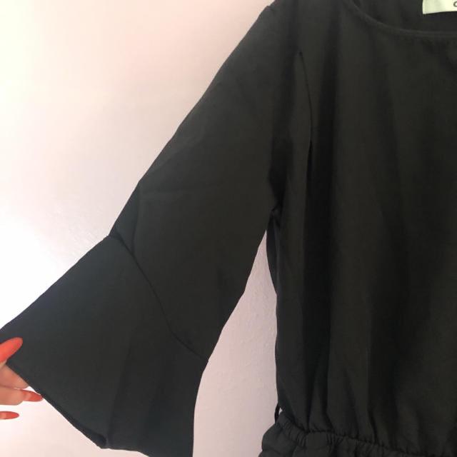 GRL(グレイル)の5 GRL 袖フレア ブラックワンピース レディースのワンピース(ひざ丈ワンピース)の商品写真