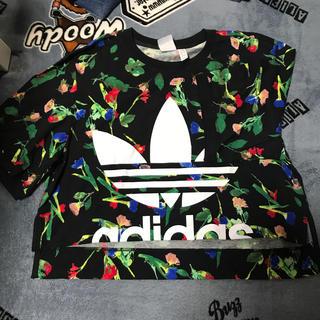 adidas - 丈短めのTシャツ