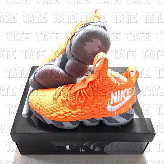 NIKE(ナイキ)の正規品 NIKE ナイキ レブロン15 オレンジボックス メンズの靴/シューズ(スニーカー)の商品写真