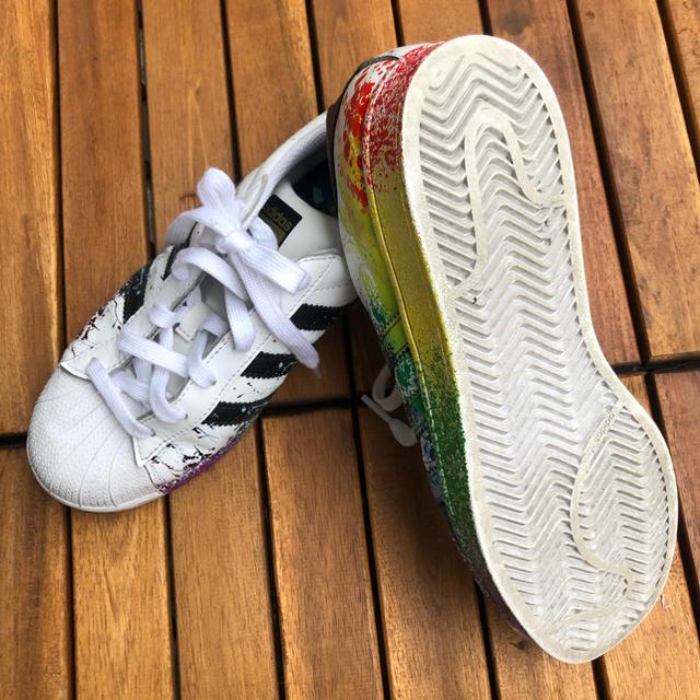 adidas(アディダス)のadidas SuperStar LGBT pride レディースの靴/シューズ(スニーカー)の商品写真