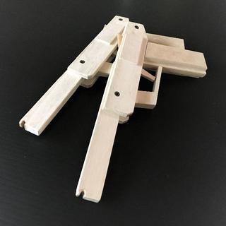 手作り】木製5連発輪ゴム銃 お買い得2個セット(その他)