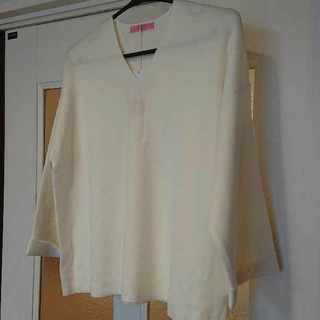 新品☆大きいサイズ  Sacrament セーター 白 2~3L(ニット/セーター)