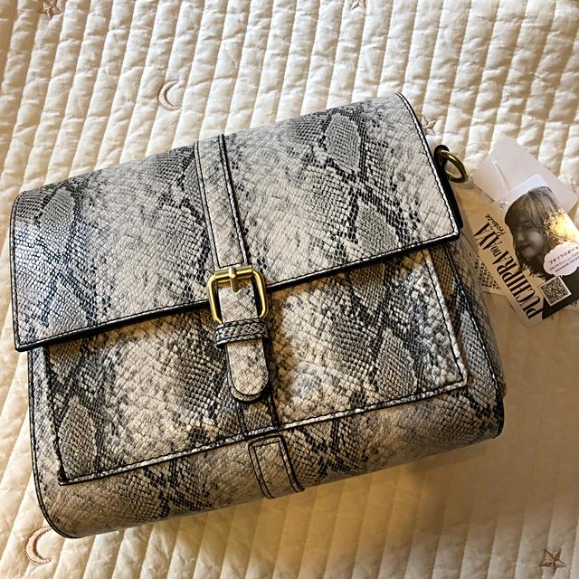しまむら(シマムラ)の【aruru様 専用】プチプラのあや パイソンショルダー レディースのバッグ(ショルダーバッグ)の商品写真