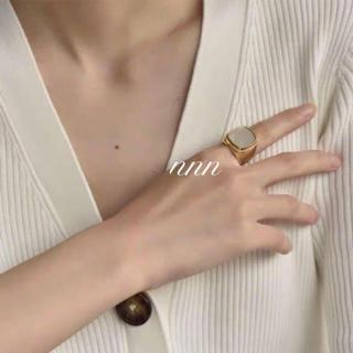 アパルトモンドゥーズィエムクラス(L'Appartement DEUXIEME CLASSE)のシグネチャーリング セリーヌ 天然貝 (リング(指輪))