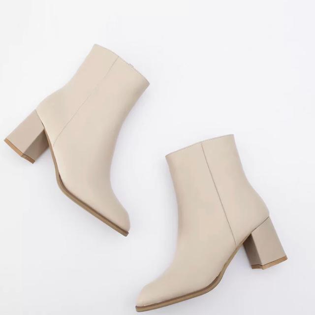 IENA SLOBE(イエナスローブ)のラディッシュボーヤ様専用です レディースの靴/シューズ(ブーツ)の商品写真